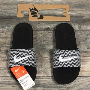 Women Nike Kawa Slide Sandals Black/White